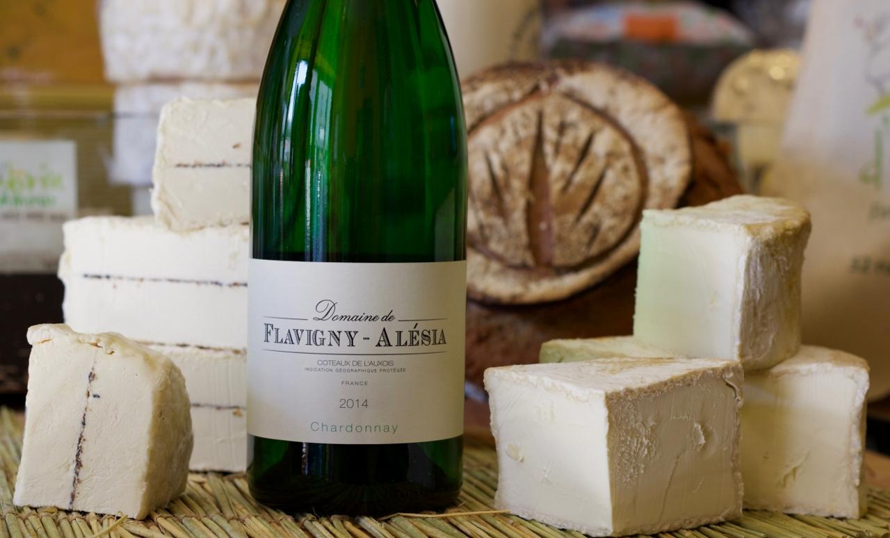 Photo du fromage et du vin